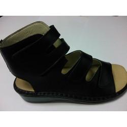 Majsai 04-170 tépőzáras kismamacipő fekete