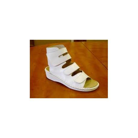 Majsai 04-170 tépőzáras kismamacipő fehér