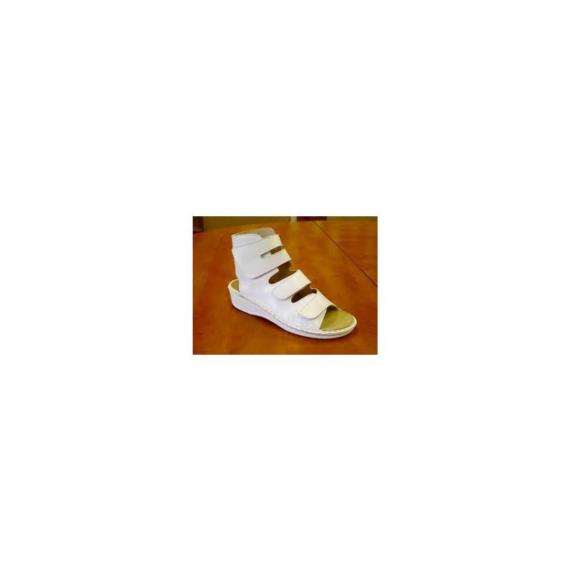Majsai 04 170 tépőzáras kismamacipő fehér Gyógysarok
